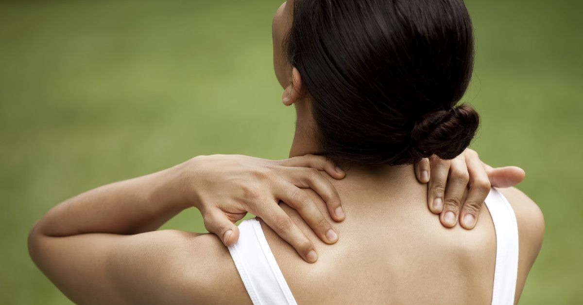 Applying pressure for back shoulder pain